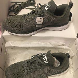 Lululemon Techloom Pro Men's shoes